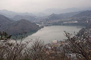 Lake Sagami 03.jpg