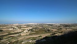 Vy over landskabet på Malta har set fra byen Mdina.