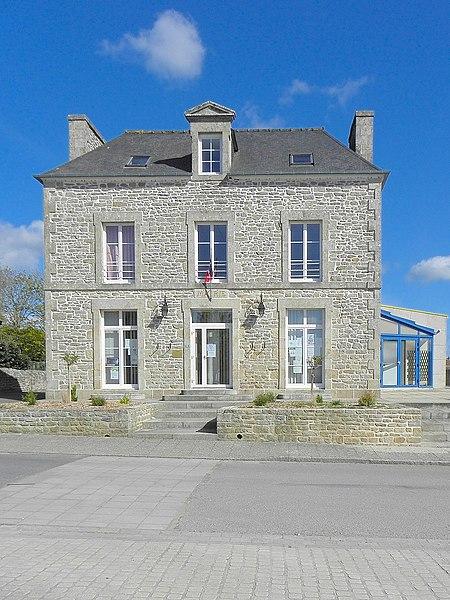 Mairie de Languédias (22).