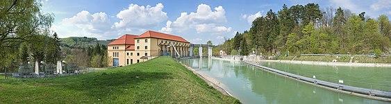 Laufwasserkraftwerk Muehltal.jpg