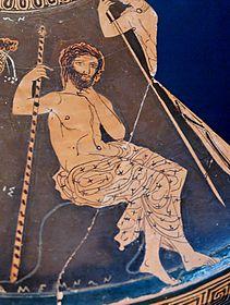Agamennone seduto su una roccia mentre sorregge uno scettro, particolare da un frammento di coperchio di un lekanis attico a figure rosse della cerchia del Pittore dei Meidei, ca. 410-400 a.C., proveniente dalla contrada Santa Lucia a Taranto, attualmente al Museo Archeologico Nazionale di Taranto
