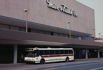 Meier & Frank - Image: Lloyd Center Meier & Frank with Tri Met Flxible bus, 1988