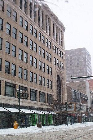 Landmark Theatre (Syracuse, New York) - Loews State Theatre, broader view of exterior.