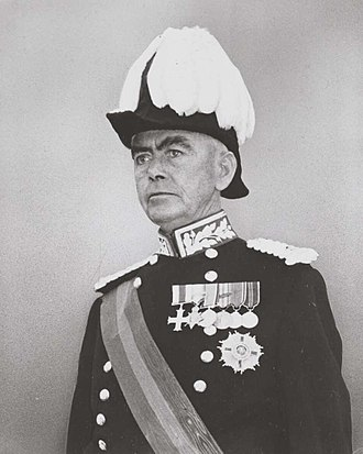 William Morrison, 1st Viscount Dunrossil - Dunrossil in his viceregal uniform, 1960