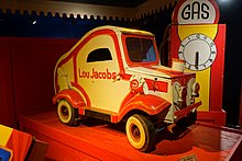 Lou Jacobs miniature clown car, 1951-1952, with gas pump