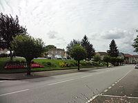 Mézières-sur-Issoire, place.jpg
