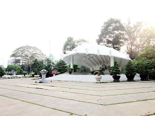Mộ Nguyễn Sinh Sắc ở Cao Lãnh