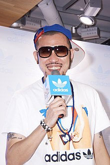 MC HotDog with Adidas microphone 20120504.jpg