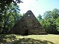 MKBler - 998 - Pyramide (Machern).jpg
