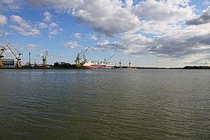 MS Viking Grace, Pernon telakka, Hahdenniemen venesatama, Raisio, 11.8.2012 (17).JPG