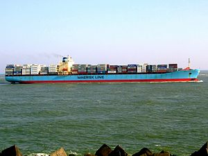 Maersk Mytilini p5 approaching Port of Rotterdam, Holland 01-Apr-2007.jpg