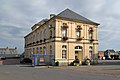 Mairie de Caumont-l'Éventé. Vue sud-ouest.jpg