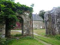 Manoir de la Grand'Isle à Saint-Bihy, portail.JPG