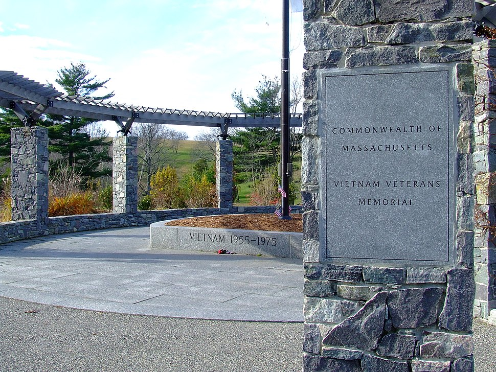 Massachusetts Vietnam Memorial-entrance
