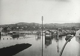 May Hill Station, 1910 flood.jpg