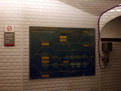 Metro de Paris - Ligne 1 - Porte Maillot 14