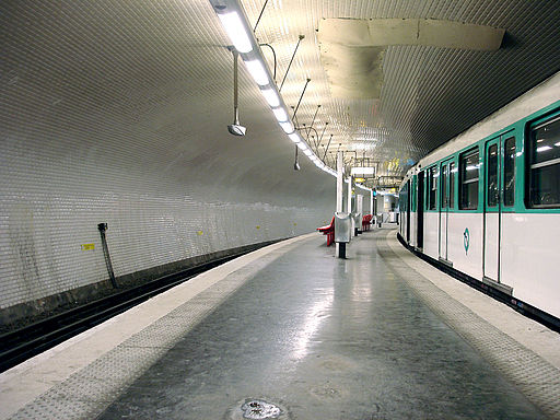 Metro de Paris - Ligne 3 bis - Gambetta 04