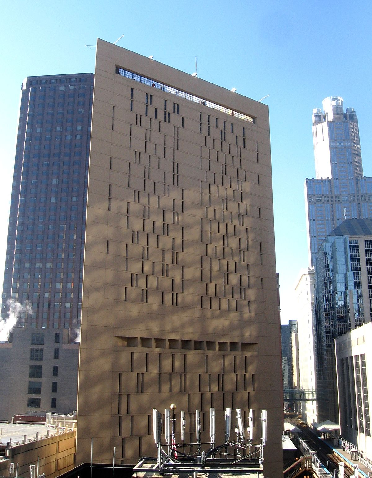 Metropolitan Correctional Center, Chicago - Wikipedia