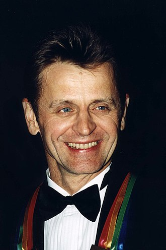 Mikhail Baryshnikov - Baryshnikov wearing the Kennedy Center Honors, 2000