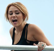 Miley Cyrus @ MMVA Soundcheck 04 (cropped).jpg