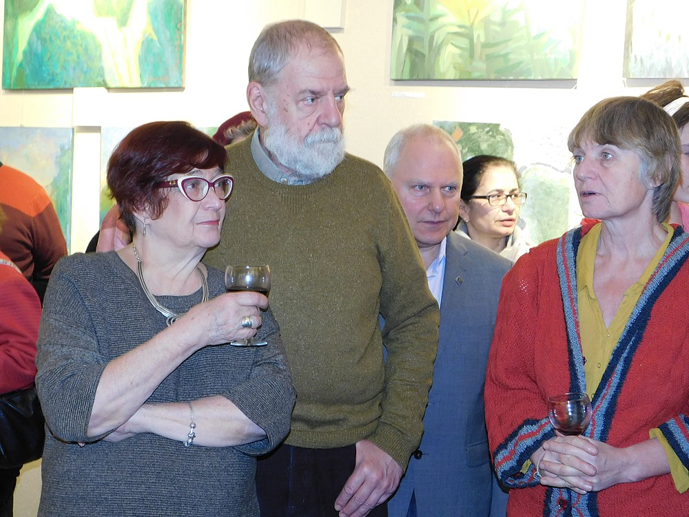 Minima gallery opening (Green collisions; 2018-12-01) 27.jpg