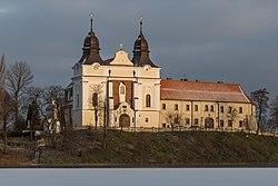Mogilno klasztor zima 01
