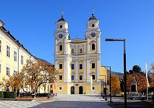 Wredeplatz mit der Basilika