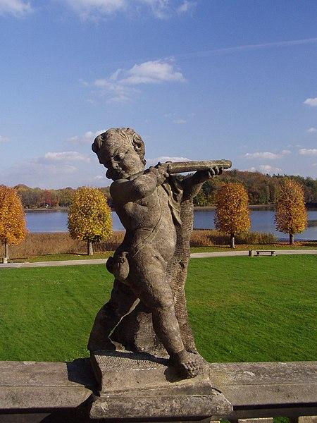 File:Moritzburg Sandstone Boy Musket.jpg