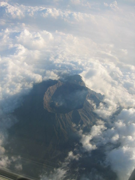 Berkas:Mount Raung.jpg