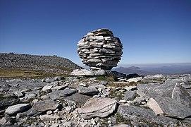 Mountain Art on Canisp - A Quartzite Spherical Cairn - geograph.org.uk - 425265.jpg