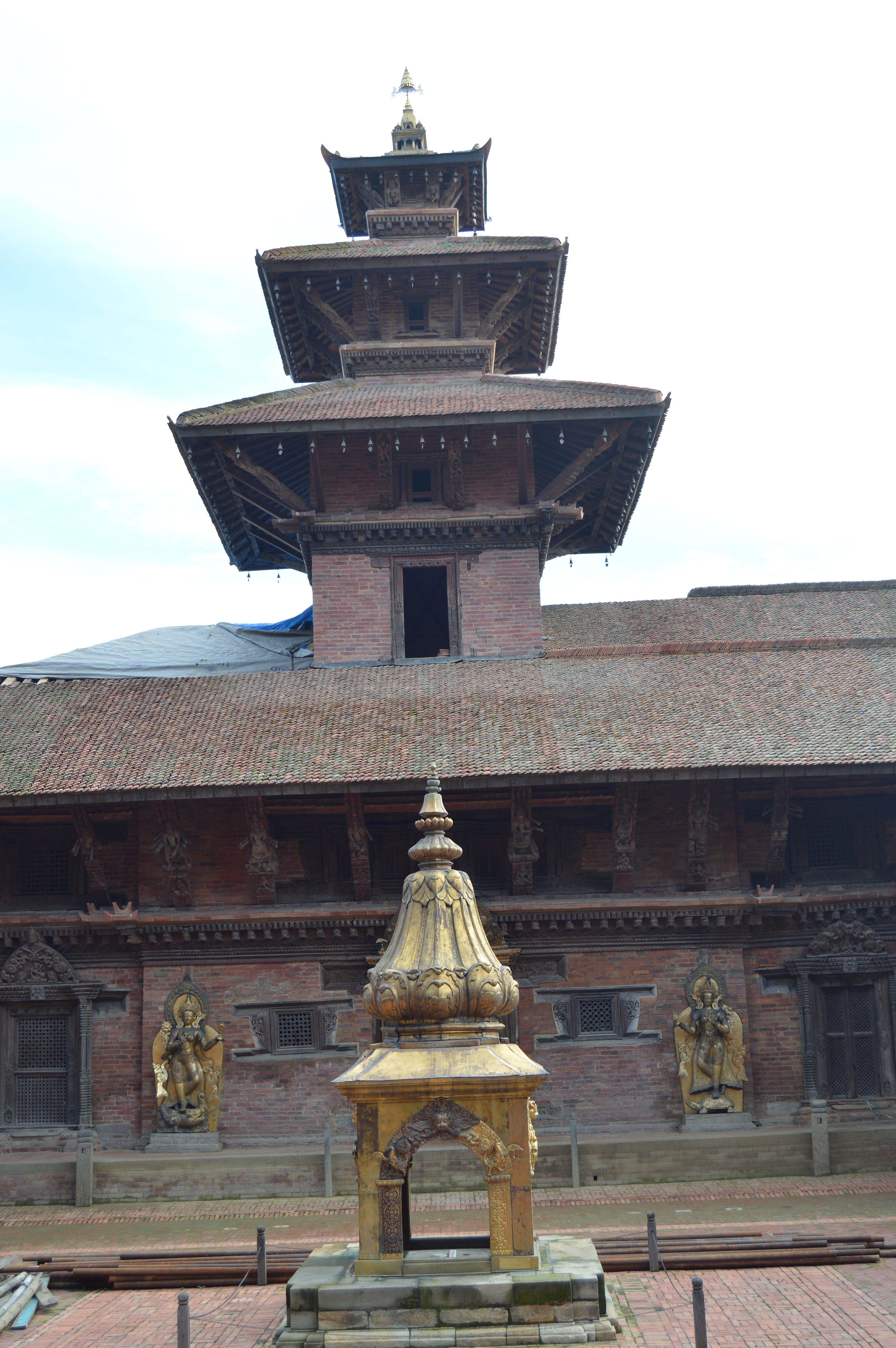 File:Mul Chowk, Patan Durbar Square 04 jpg - Wikimedia Commons