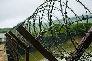 Mulshi Dam - Image: Mulsi dam fence