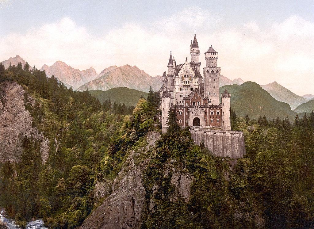 https://en.wikipedia.org/wiki/Neuschwanstein_Castle
