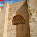 Niche, façade occidentale de la Grande Mosquée de Kairouan.jpeg
