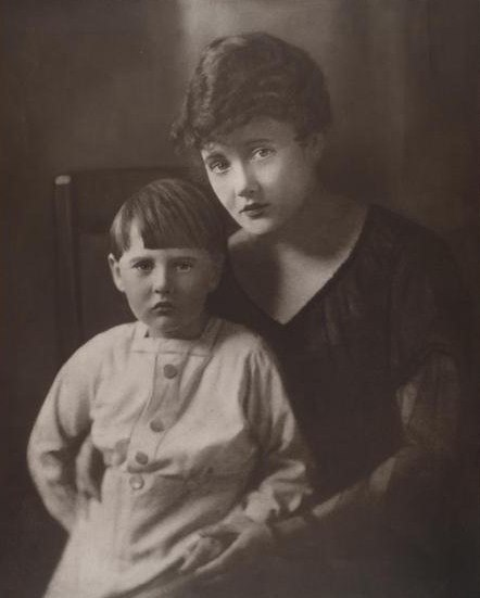 NlaGortonmotherAlice1915