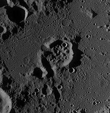 伯纳姆陨石坑