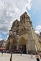 Notre-Dame-de-Paris et son parvis.jpg