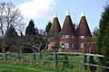 Oast houses, Willard's Hill Farm - geograph.org.uk - 392096.jpg