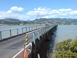 Kopu Bridge - Looking east over the old bridge