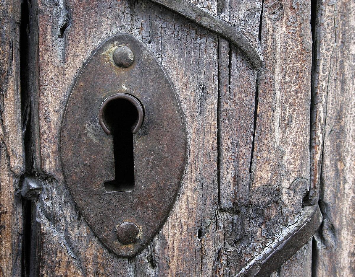 Cerradura wikipedia la enciclopedia libre - Llaves antiguas de puertas ...