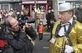 On photographie Pat le Clown au Carnaval de Paris 2014.jpg
