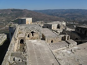 On the top of Krak des Chevaliers - panoramio.jpg