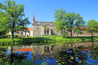 Jõgeva County - Image: Põltsamaa linnuse varemed 2