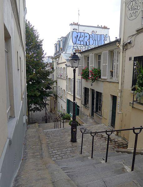 Fichier:P1040860 Paris XVIII rue André-Antoine rwk.jpg
