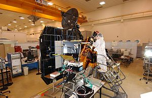 EPOXI - The Deep Impact spacecraft at the JPL in July 2004.