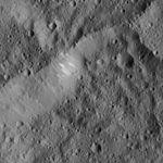 PIA20384-Ceres-DwarfPlanet-Dawn-4thMapOrbit-LAMO-image30-20160103.jpg