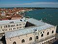 Palau Ducal des del campanar de sant Marc de Venècia.JPG