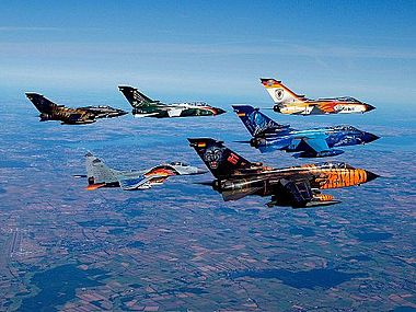 Panavia PA200 Tornado Formation Flight.jpg