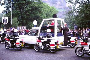 Pope John Paul II's visit to the United Kingdom - Pope John Paul II arrives in Edinburgh's Princes Street on 31 May 1982.