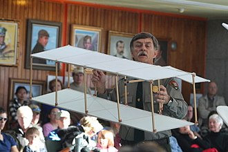 Wright brothers - Park Ranger Tom White demonstrates a replica of the Wright brothers 1899 box kite at the Wright Brothers National Memorial